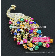 fashion alloy colored crystal peacock brooch