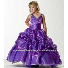 Bester verkaufender V-Ausschnitt wulstige applizierte mit Rüschen besetzte Ballkleid-Traubenblume nach Maß Mädchen-Festzugkleider CWFaf4880