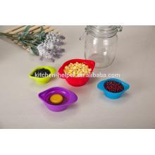 Custom Design Factory Prix Outils de cuisine Résistant à la chaleur Résistant à l'eau Tasses de mesure à base de silicone à grains étanches Set de 4 pièces