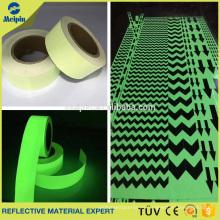 Película de vinilo fotoluminiscente para sistemas de señales de seguridad