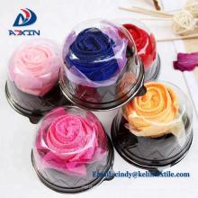 Gâteau de serviette en forme de fleur rose pour la Saint-Valentin