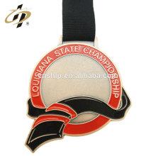 Personalizar liga de zinco banhado a ouro esmalte crappling medalha prêmio em branco