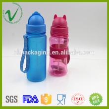 Garrafa de água plástica de vibração PCTG única resistente ao calor e resistente ao calor com palha