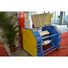 Máquina de corte e rebobinamento de filme extensível
