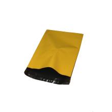 Wasserdichte gelbe Versandtasche aus Kunststoff