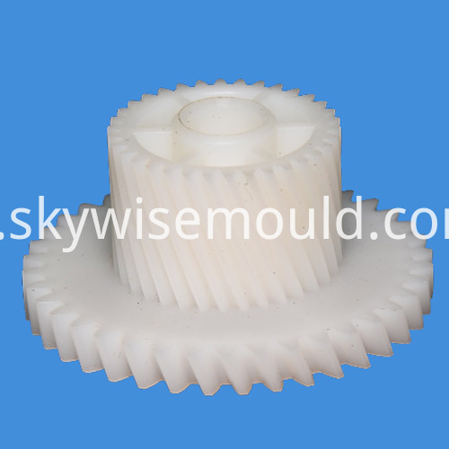 Helical Gear Plastic Injection Mould