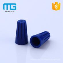 Posicione o parafuso de plástico nas tampas dos conectores dos fios