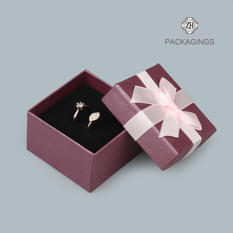 Customized+luxury+ring+paper+box+for+cardboard