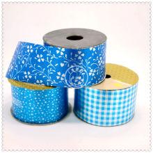 Rouleau de ruban cadeau bon marché pour l'emballage