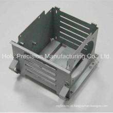 Peça de chapa metálica e fabricação de metal