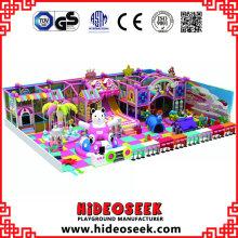 Equipamento interno do campo de jogos do tema da casa dos doces para crianças