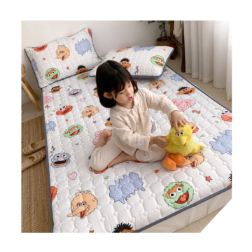 Discount fashion cartoon printing 3cm thin washable bed mattress for kids