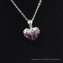 La venta al por mayor forma del corazón nuevos colores de la llegada colorea la arcilla cristalina blanca y púrpura Shamballa con el collar de plata de las cadenas