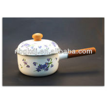 enamel kitchenware with wooden knob and handle