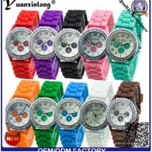 Yxl-318 verrückter Verkäufer-Großverkauf-preiswerteste Genf-Marken-Gelee-Uhr-Süßigkeit-Farben-Damen-Quatch-Genf-Art- und Weisesilikon-Uhr-Fabrik