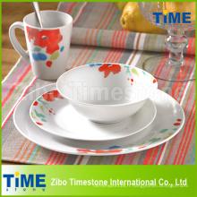 Service de vaisselle en porcelaine avec décalcomanie
