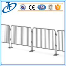 removable crowd control barrier fence