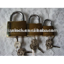 Cadeado em titânio com chave cruzada