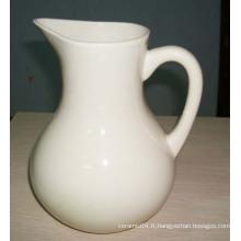 Pichet à eau en céramique