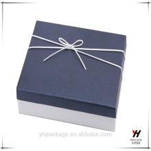 Coffret cadeau personnalisé en carton de haute qualité