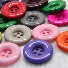 Venta al por mayor Botón de resina de plástico de 4 agujeros con precio de fábrica