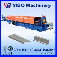 Обработка металлических профилей используется стальная профилегибочная машина cz channel