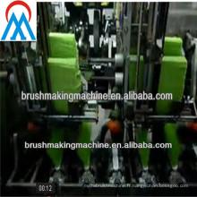 Machine à balais 5 axes avec 3 têtes de perçage et 2 têtes de touffetage