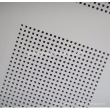Telha acústica do teto dos painéis perfurados tamanho padrão da placa da gipsita