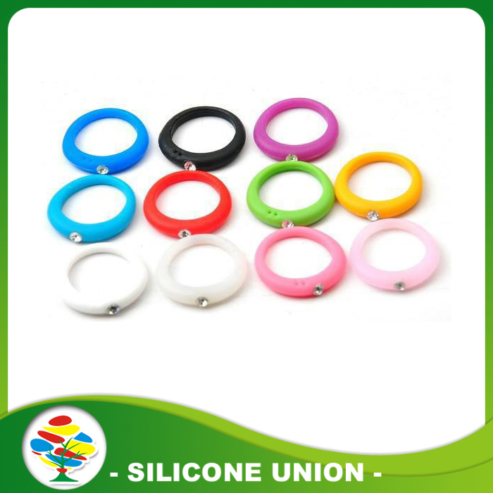 silicone ring with diamind