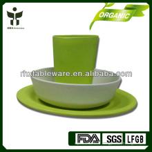 Mode de vie vert avec la vaisselle en bambou