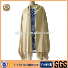 Сплетенная с бахромой шаль шарф кашемира
