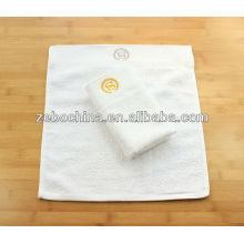 Haute qualite personnalisé logo broderie en gros coton serviette