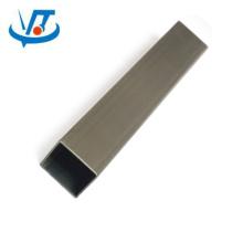Tube en acier carré soudé par SS400 A36 / tuyau carré en acier 100x100mm