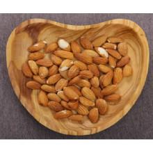 Olivenholzschale mit Herzform