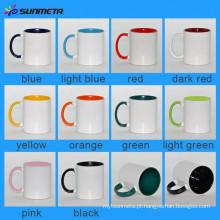 Diretamente Fábrica Sunmeta Hot Selling Qualidade Cerâmica Sublimaiton Handle Hand Inner Color Canecas