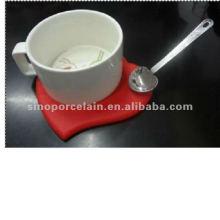 Nouvelle tasse en porcelaine avec coque en silicone avec cuillère en acier pour BS120905