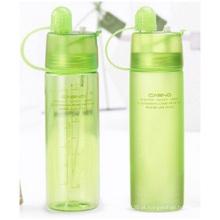 Garrafas plásticas portáteis com tampa, refrigerando o copo da água do pulverizador, garrafas criativas dos esportes exteriores