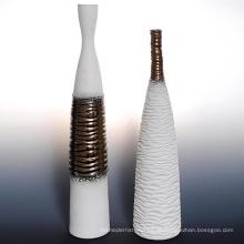 Vaso de cerâmica de forma alta