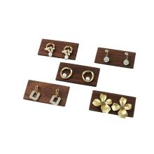 Présentoir de boucles d'oreilles en bois pour bijouterie