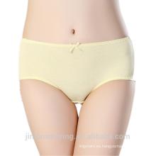 Bragas menstruales de la ropa interior de la ropa interior de la muchacha linda encantadora de las bragas del período de la prueba del agua