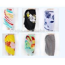 Las señoras de la manera imprimieron el pareo del sarong de la gasa del poliester