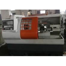 Máquina de Torno CNC (CK6136 / CK6140)