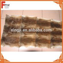 Plaque de peau de lapin plumée brun naturel