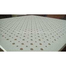 Telha acústica perfurada do teto do tamanho padrão da placa da gipsita