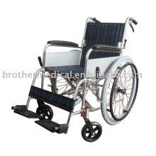A leve cadeira de rodas totalmente funcional de alumínio