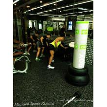 China 2017 Günstigster Heißer Verkauf Gummi Roll / Intelocking Gym Club Floor Indoor