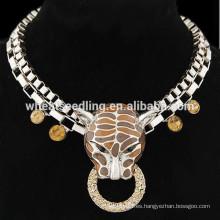 Collar de cadena corto pendiente exagerado retro del leopardo punky