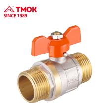Válvula de bola de latón manual de alta calidad de 15 mm con rosca interna en TMOK
