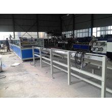 Anlage zur Herstellung von PVC-Fensterrahmenprofilen