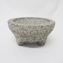 Molcajete granit berbintik-tompok untuk herba yang lebih besar